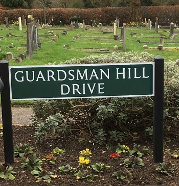Guardsman Hill Drive road name unveiled by the Mayor, Cllr Dorothy Ross-Tomlin